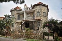 Didim Yeşilkent'te Eşyalı Denize 250 Metre Villa