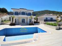 Didim Akbük'te Deniz Manzaralı Havuzlu Müstakil Villa