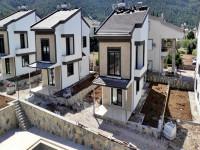 Akbük Satılık Villa, Ayrı Mutfak 3+1 Havuzlu Site İçinde