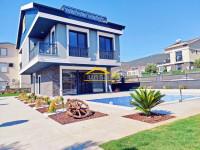 Didim Akbükte Satılık Havuzlu Müstakil Villa 3+1