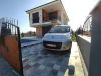 Didim Efeler Mahallesinde Satılık Havuzlu Otoparklı 4+1 Tam Müstakil Villa